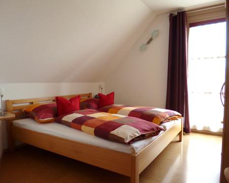 schlafzimmer-bad_03_dz-kl-bett_p1010219.jpg